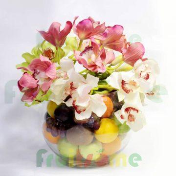 fruitsome-valentine-fruit-arrangement