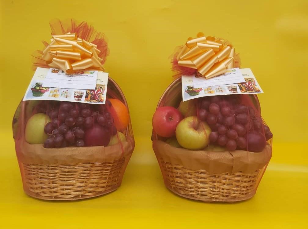 Fruitsome Christmas Gold basket