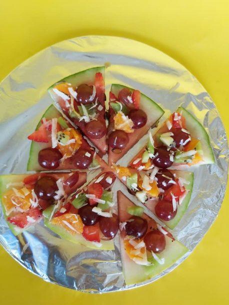 Fruitsome Fruit Pizza